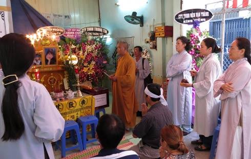 http://batquai.org/wp-content/uploads/2017/05/bai-cung-van-khan-le-ta-100-ngay.jpg